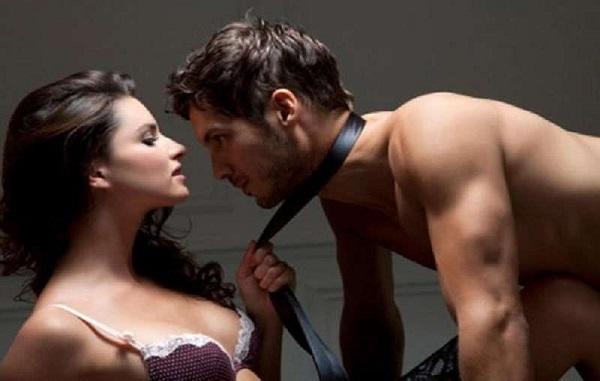 Dầu bôi trơn trợ giúp gia tăng khoái cảm khi quan hệ tình dục