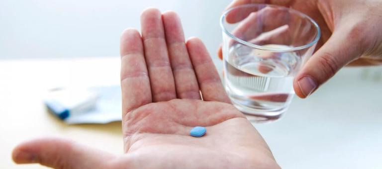 Nam giới có thể tham khảo cách điều trị xuất tinh sớm bằng thuốc uống