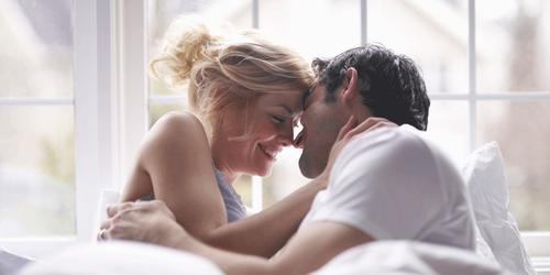 """9 bí quyết giúp quý ông ghi điểm trong """"cuộc yêu"""""""