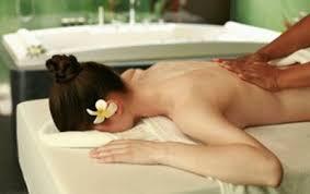Dầu massage bôi trơn Liyoni - Bí quyết cho cuộc yêu thăng hạng